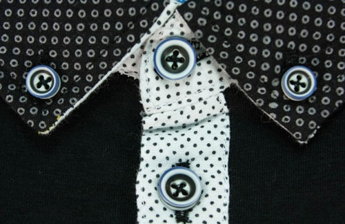 Collar Detail on a D555 Polo Shirt